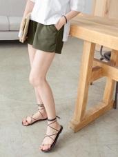 腰圍鬆緊純色立體直條織紋褲腳開衩短褲.2色