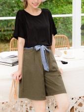 附條紋綁帶後腰鬆緊打褶設計純色褲裙