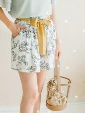 附綁帶滿版花朵圖案腰圍鬆緊傘襬短褲.2色