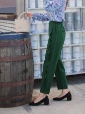 側邊荷葉褶造型柔色調寬版褲