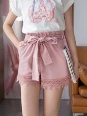 附綁帶高含棉蕾絲拼接純色短褲