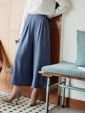 打褶設計腰部後鬆緊寬褲