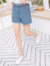高含棉反摺腰頭設計牛仔抽鬚短褲