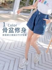 高含棉排釦斜口袋設計A字牛仔短褲