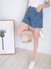 玫瑰刺繡下襬抽鬚斜紋短褲