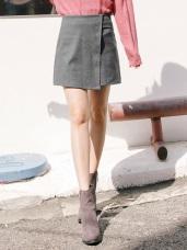 前片交疊素色毛呢短裙