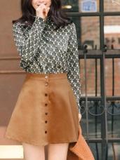 素色排釦傘狀短裙