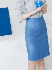 高含棉下襬抽鬚側開衩及膝A字裙
