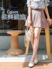 臧芮軒。腰帶設計弧襬西裝短裙