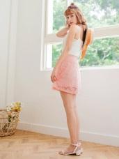 鬆緊腰頭蕾絲雕花純色傘襬短裙