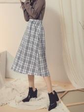 灰階色調後鬆緊綁帶設計排釦格紋中裙