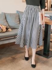 黑白格紋柔膚傘襬中長裙