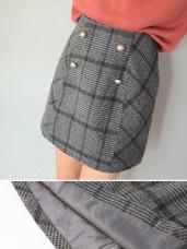 裝飾排釦格紋A字包臀短裙