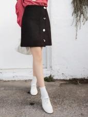 毛呢質感側排釦A字短裙