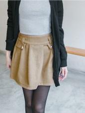 完美主張~立體剪裁打摺修身釦飾毛料短裙.2色