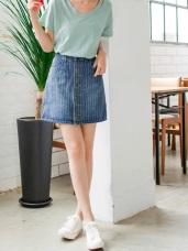 直條紋X排釦造型牛仔裙