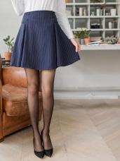 直條紋排釦造型打褶傘襬短裙.2色