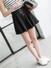 素面圓環拉鍊造型後腰鬆緊傘襬短裙.2色