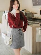 素色仿皮交叉綁帶造型高腰A字褲裙.2色