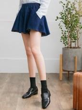 質感素色腰圍鬆緊傘襬剪裁寬鬆牛仔短褲