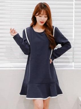 配色剪裁造型拼傘襬裙圓領長袖洋裝.2色
