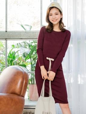 素色腰綁帶後襬開衩造型圓領長袖洋裝.3色