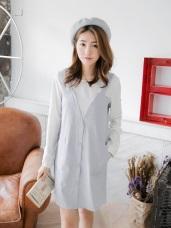 假兩件式純白鏤空背釦上衣拼接V領排釦格紋洋裝.2色