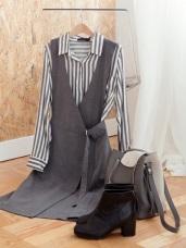 腰間金屬釦環設計前片交叉洋裝