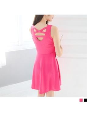 素色後背挖洞交叉設計厚雪紡背心洋裝.2色
