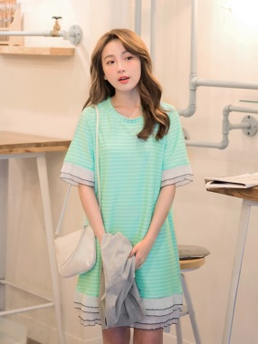 橫條紋拼接蛋糕層次百褶設計洋裝.2色