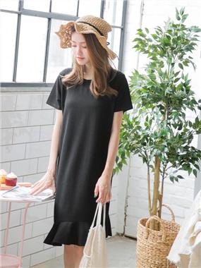 不收邊斜裁魚尾裙襬純色彈性柔料中長洋裝.2色