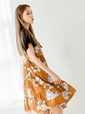 滿版花朵圖案V領口層次蛋糕裙襬造型肩帶洋裝.2色