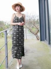 滿版印花拼接魚尾裙襬V領長洋裝
