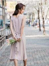 腰間綁帶純色V領長洋裝