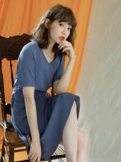 純色微光澤修身剪裁短袖洋裝
