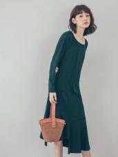 純色美背設計下襬不規則魚尾洋裝