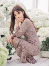 魚尾裙襬拼接純色蕾絲長洋裝