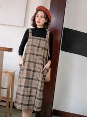 毛呢格紋排釦造型吊帶洋裝
