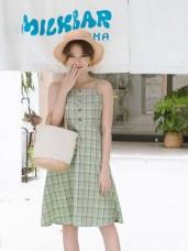 清新配色格紋排釦細肩帶傘襬洋裝