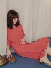 純色透紗異材拼接袖開衩雪紡長洋裝