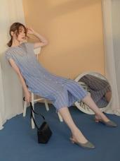 小V領直條紋背後造型排釦連袖寬鬆長洋裝