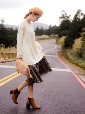 磨毛拼接下襬光澤百褶絨布長洋裝