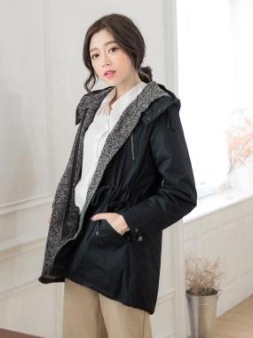 素色拼混色造型鋪棉連帽高領抽繩風衣外套