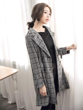 千鳥格紋毛呢質感翻領排釦長版大衣/外套