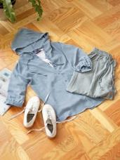 素色排釦抽繩連帽上衣/罩衫