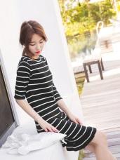 橫條紋波浪下襬合身細針織七分袖長版上衣洋裝.2色