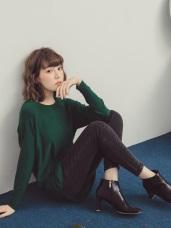 純色弧襬長版針織上衣
