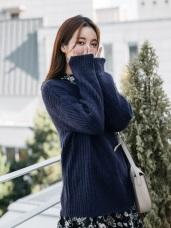 純色立體壓紋寬版粗針織毛衣
