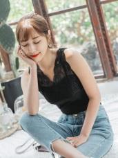 婚禮系列~微透膚V領蕾絲雕花拼接純色高棉背心