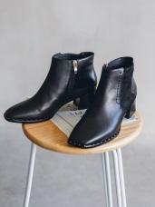 率性真皮鉚釘粗跟短靴